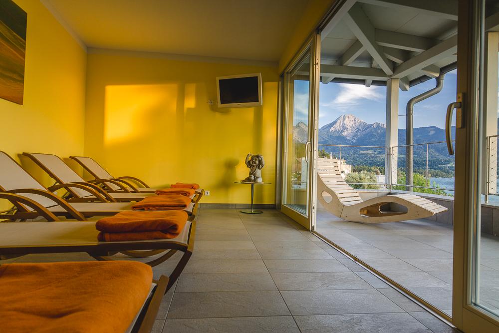 Ruheraum mit Balkon und Aussicht